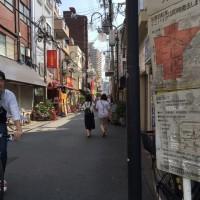日本一長い商店街、天六商店街は、人がいっぱいです。
