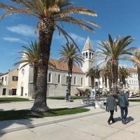 クロアチアのビールを求めて!トロギールの聖ロバロ大聖堂