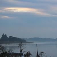 手賀沼  手賀沼の朝、手賀川の川霧