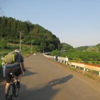 三沢峠と津久井湖北側の道を走り、奥牧野の木の吊橋へ     2017年5月20日 土曜日