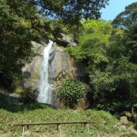 久井岩海と爆雪の滝