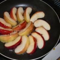 朝のおめざの焼き林檎