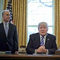トランプ大統領 オバマケア代替案撤回