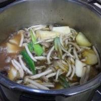 極めたい美味しい「骨肉茶(バクテー=BAH KUT TEH )の作り方。当時の過酷労働者のスタミナ補給食。
