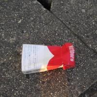 たばこの空箱3個収集、レジ袋でゴミ拾い&街美化と安全パトロール