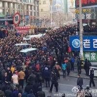 無謀な軍拡は老いる中国の焦りか