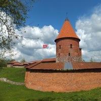 リトアニアのビールを求めて!カウナス城とオブジェ。
