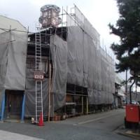 古くから横安江町にある、木造3階建ての食堂(営業はかなり前から休止)。