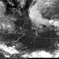 なんじゃ、こりゃ?奇妙な台風10号気象衛星画像