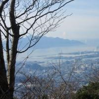 12 鈴ヶ峰・鬼ヶ城山(320・282m:西区)縦走登山  西峰からの眺望