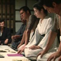日本カジノはタキシードで!