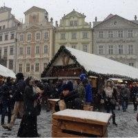プラハ5日目  雪のクリスマスマーケット❄️旧市街広場