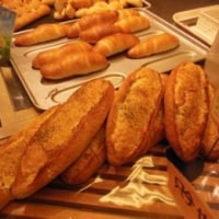 豪徳寺から世田谷のパン屋へ