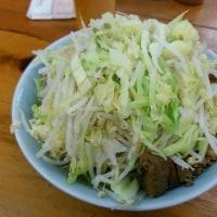 開店時間が変わったので、並びが微妙。新橋二郎 野菜ニンニク【22日】
