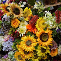 造花のココーフラワー横浜  季節商品も多数展示・販売しています