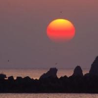 赤い朝陽 (志摩市船越)