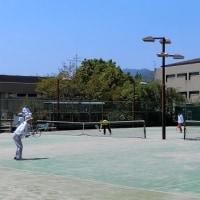 今日の「テニス」は「紅一点」