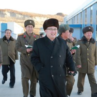 경애하는 최고령도자 김정은동지께서 새로 건설된 금산포젓갈가공공장과 금산포수산사업소를 현지지도하시였다