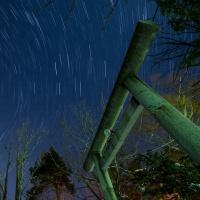 岩見沢神社の鳥居と星空