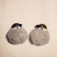 羊毛フェルトでもっふもふスズメのブローチ試作