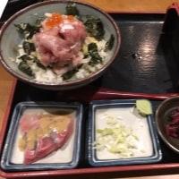 名物!!海鮮ごっつぉ丼とそばセット「さかな島」