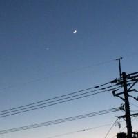 スマホで月や星を撮るのは 難しい