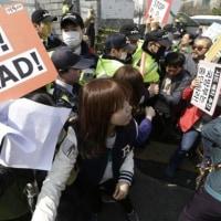 【経済裏読み】韓国経済「1人負け」中国が足を引っ張る THAAD配備でエンタメ株低迷、観光客も減少か