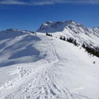 スキー場をかすめるツアー