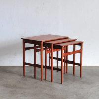 Hans J Wegner/ AT 40 (1952) Nest table