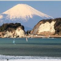 早春の海と富士山