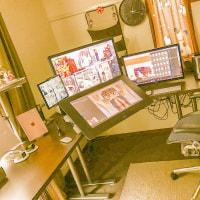 二つの僕の仕事机。