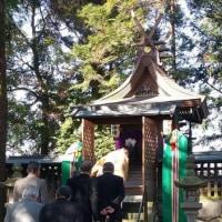 日曜の朝・・・・・今日は地元丹治区の氏神さんでの「おつとめ」で。