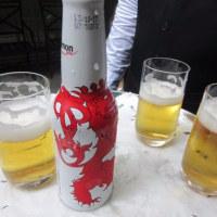 ルクセンブルクのナショナルデーでワイン&ビール