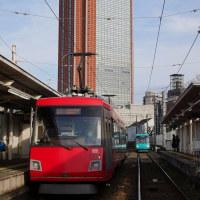 世田谷線とキャロットタワー