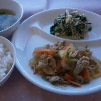 麦ご飯と生姜焼き