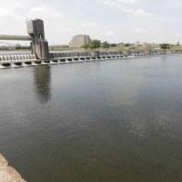 多摩川の堰下