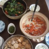 春を迎える食べ物とフェルト