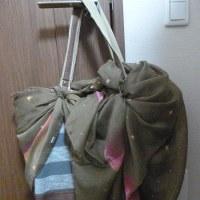 地味バッグをカジュアルチックにv