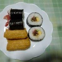 夕飯はスーパーの寿司でした