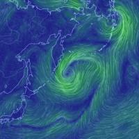 転載: 北海道東方沖:「謎の赤い輝き」の海域。現在、巨大な風の渦巻き。