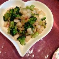 蕪とブロッコリーのアンチョビとオリーブ風味ソテー