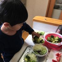孫と夕飯作り