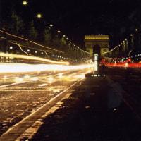 シャンゼリゼ通りの夜景