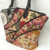 和柄のバッグ