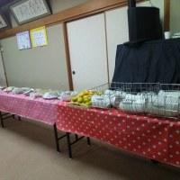 記高見幼稚園給食10周年記念行事の一つとして、子どもたちの授業参観とお母さん方の試食会を行いました。