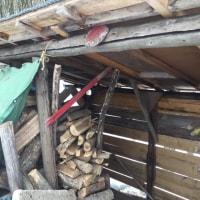 薪小屋の修理