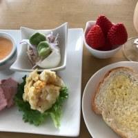 佐吉で朝食。