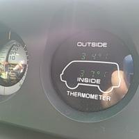 暑いのでエアコンを…