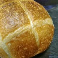 こりゃ美味いパンが並んでるな〜・・・カフェボスケ(三橋)