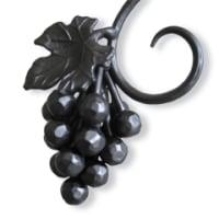葡萄の装飾がついた手摺り